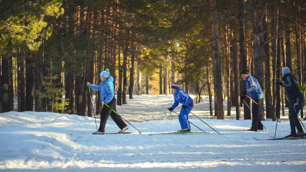 4 Reasons To Go On Ski Holidays With Family